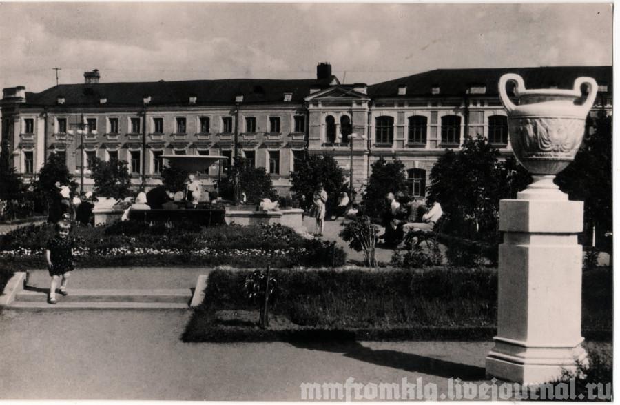 Сквер им. Карпова. Фото Д. Глазунова