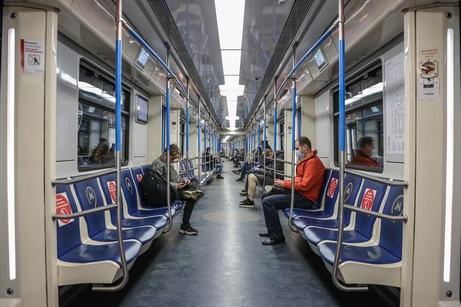 Нет пропусков - нет посетителей в метро.