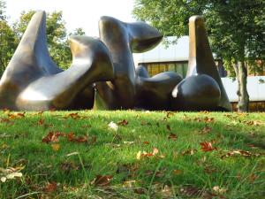 скульптура-какашки