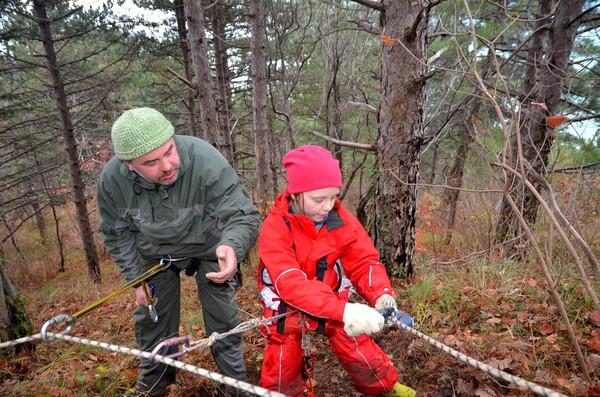 Участники экспедиции отрабатывают туртехнику-3