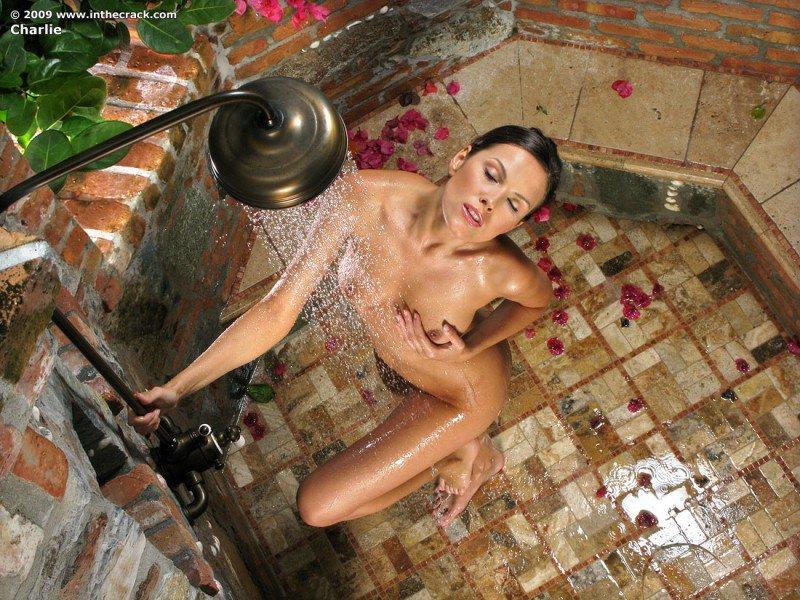 сексуальные девушки голые девушки в душе фото