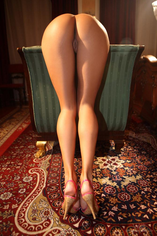 Фото ню ножки попки