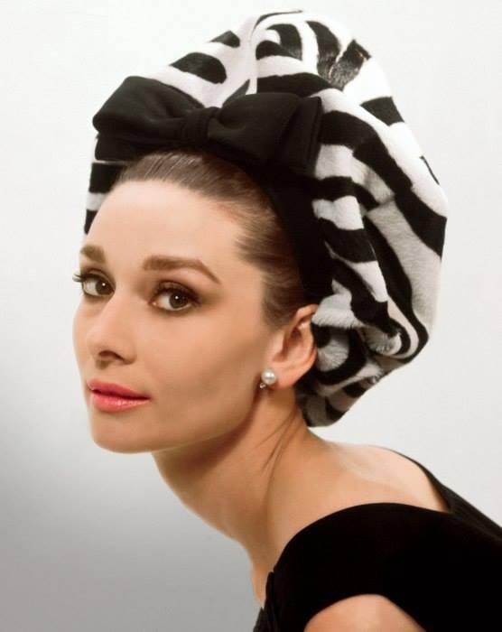 Audrey-Hepburn-image-audrey-hepburn-36655852-556-700