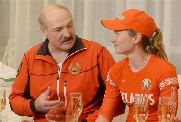 Лукашенко присвоил Домрачевой звание Героя Беларуси