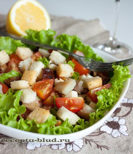 Салат помидор и рыба