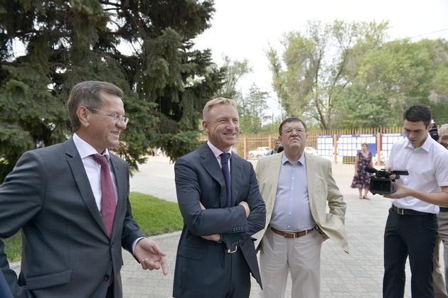 Губернатор Астраханской области Александр Жилкин Развитию образования мы отводим основополагающую роль