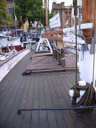 Deck, starboard side