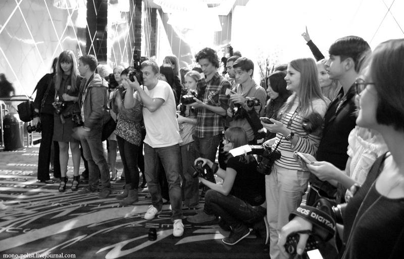 фотографы снимают ренату литвинову