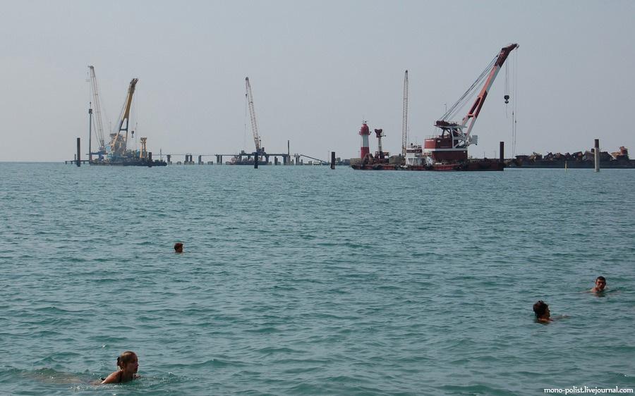 краны в море