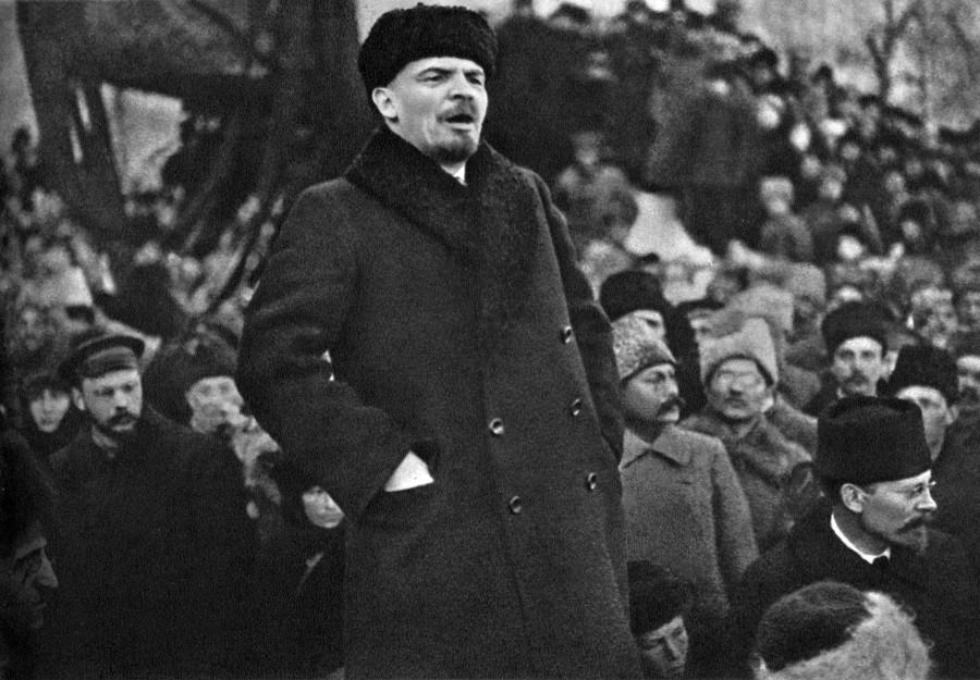 3ab8836e65d Ленин в зимнем