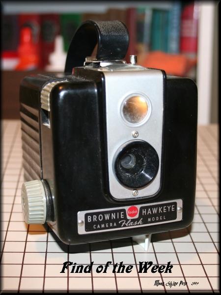 Brownie Hawkeye camera flash model