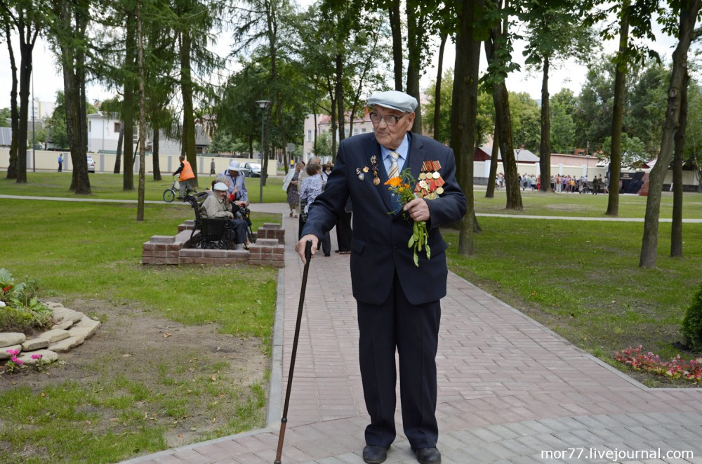 Мемориальный комплекс и Аллея Героев в Гомеле