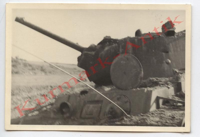 N454 Foto Wehrmacht Litauen Russland Beute Panzer KW1 Volltreffer combat TOP !