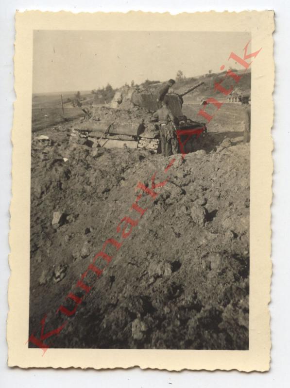 N456 Foto Wehrmacht Russland 11.Panzer Div. Debri Slobotka T34 KW1 Volltreffer