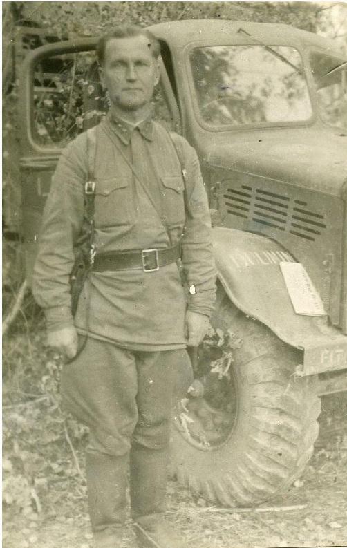 зам. командира 696 иптап капитан Д.М. Лебедев. 1942 год.