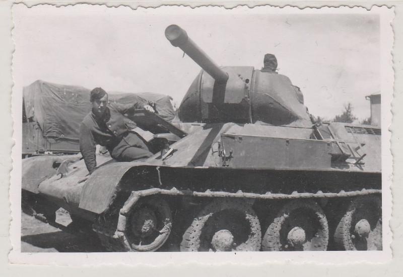 Original Foto vom 2.Weltkrieg-Panzer mit Soldat-Guter Zustand 2