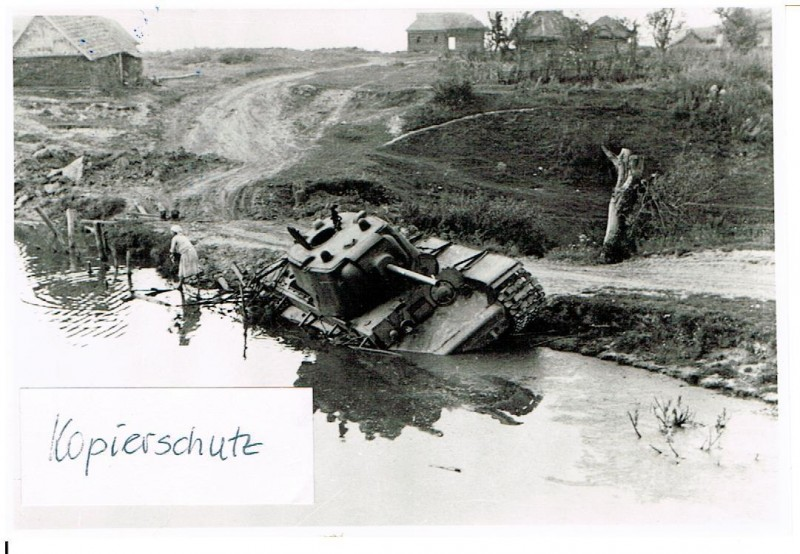 Russland Feldzug 1942 26.08.42 soviet heavy tank Panzer bei Kolosowo
