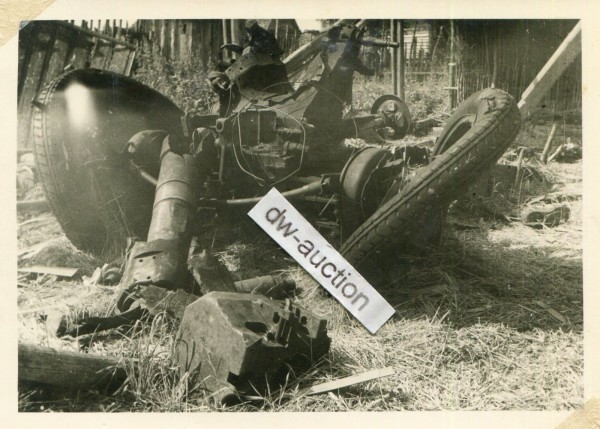 Inf. Rgt. 171 , zerstörtes dt. Geschütz