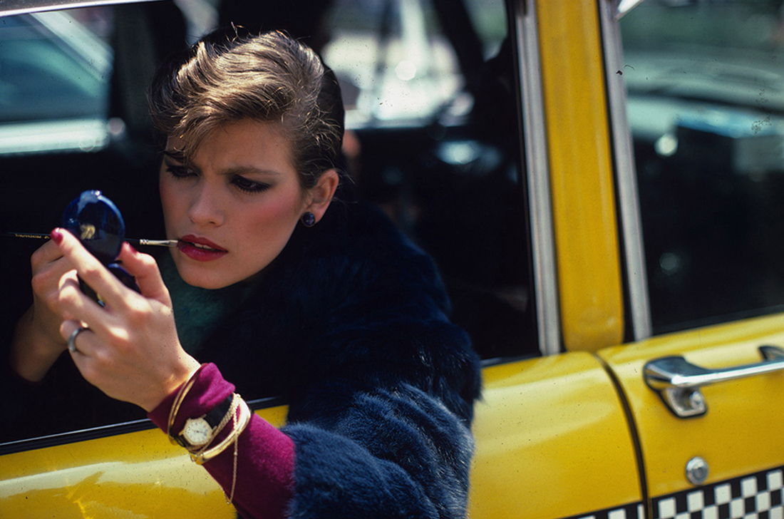 Girls___Models_Photo_of_a_girl_in_a_taxi_054641_.jpg