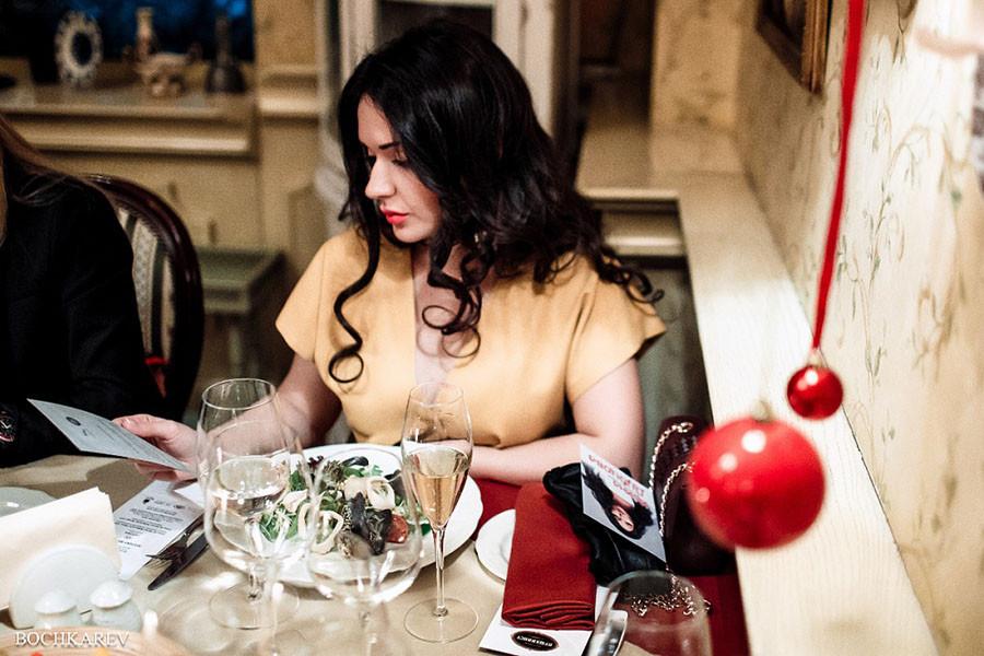 Дал женщине выбрать чай на свиданке. А она обожрала и все опошлила!