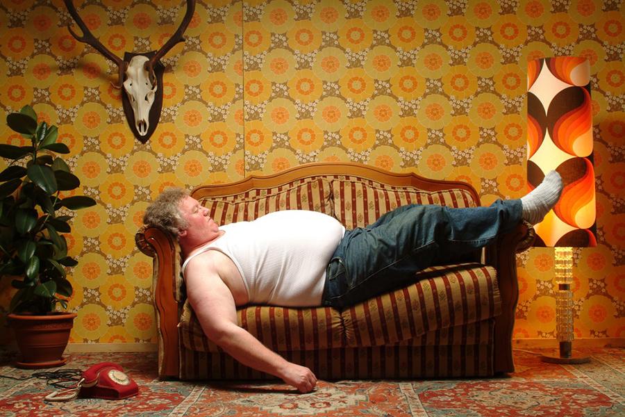 Почему мужик на диване – это страшно?