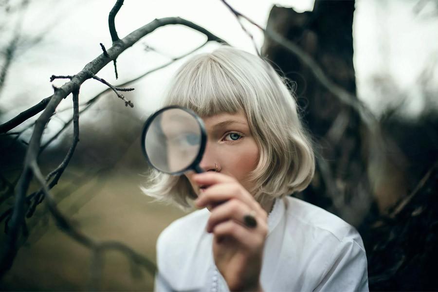 женщина детектив.jpg