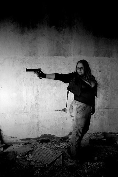 Евгения_с_пистолетом