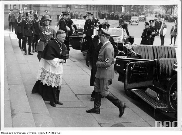 1 сентября 1939 года оккупировавшая Чехословакию Польша была оккупирована.