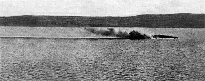 2 800px-Bouvet_capsizing_March_18_1915