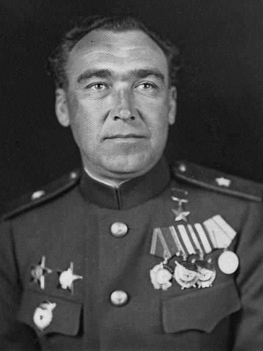 Генерал-лейтенант Матвей Кузьмич Шапошников, Герой Советского Союза (1944).