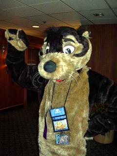 lj user=balloonfox in otter costume