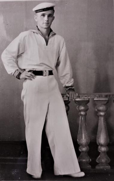 1951 курсант ХМУ.jpg