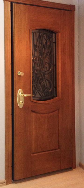металлические двери массив выставочные