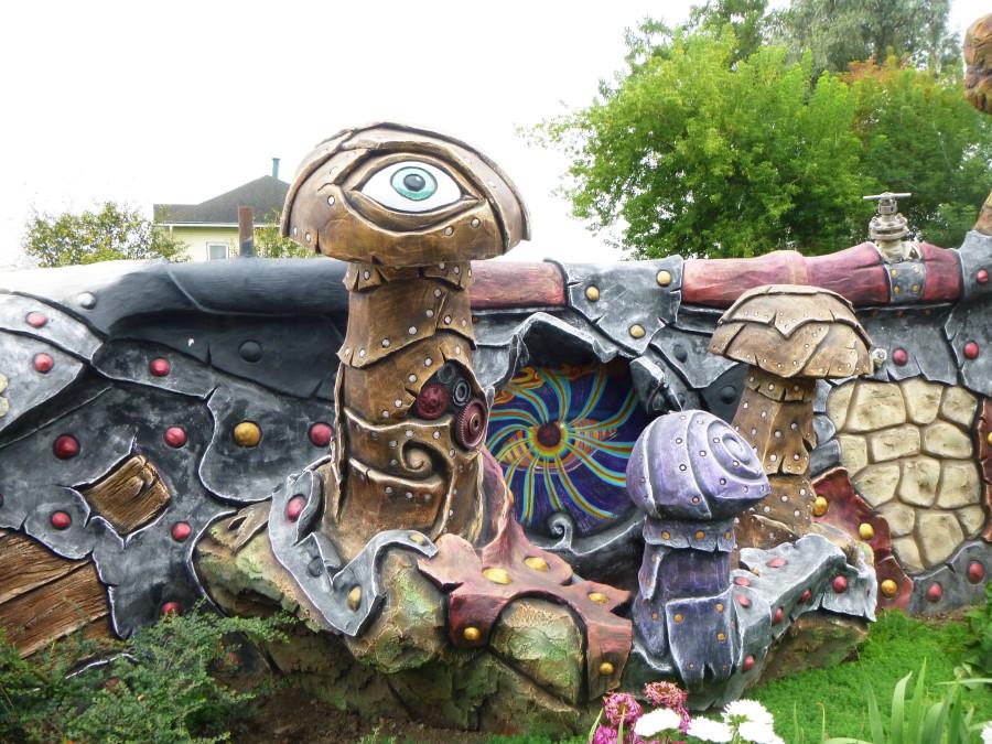 Козельск. Вихляндия - парк злого скульптора. P1340880f.JPG