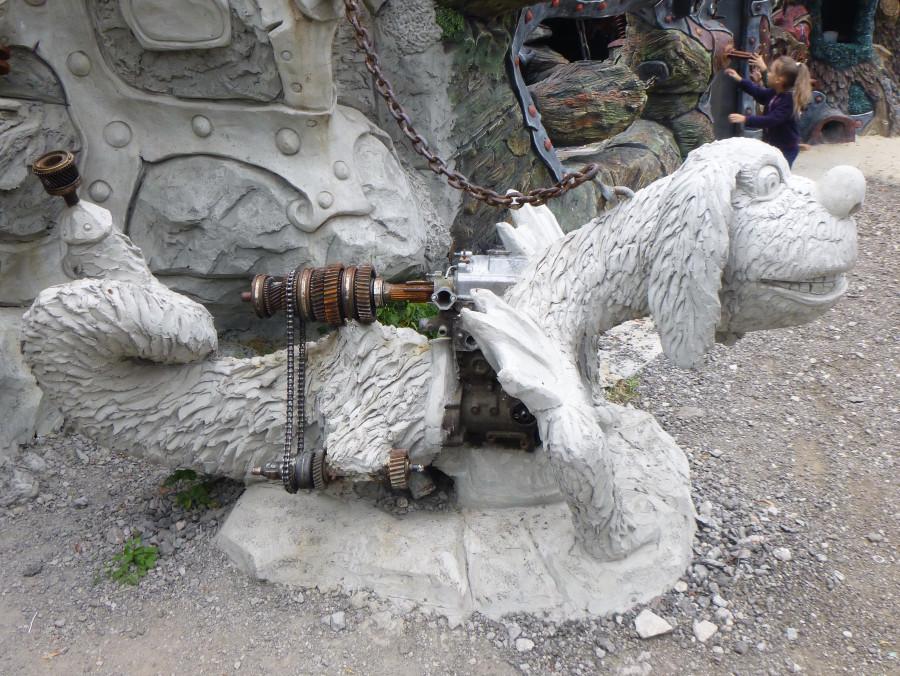 Козельск. Вихляндия - парк злого скульптора. P1340911f.JPG