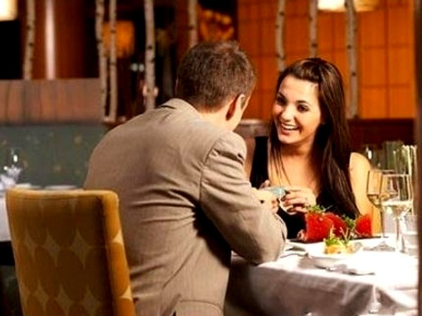 знакомство в клубах за столиком москве