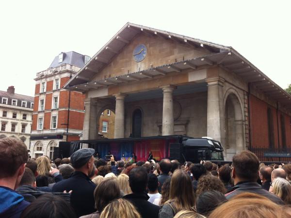 Пол МакКартни на концерте в Ковент Гардене