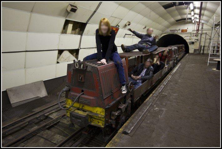 mail rail diggers