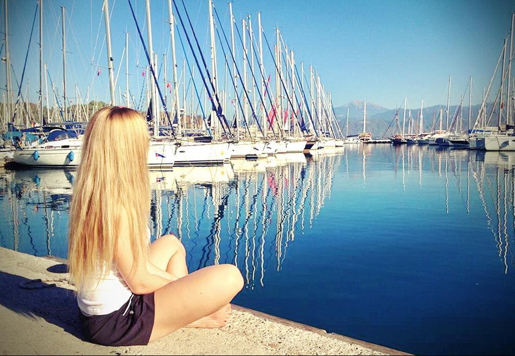 Девушки на яхтах фото