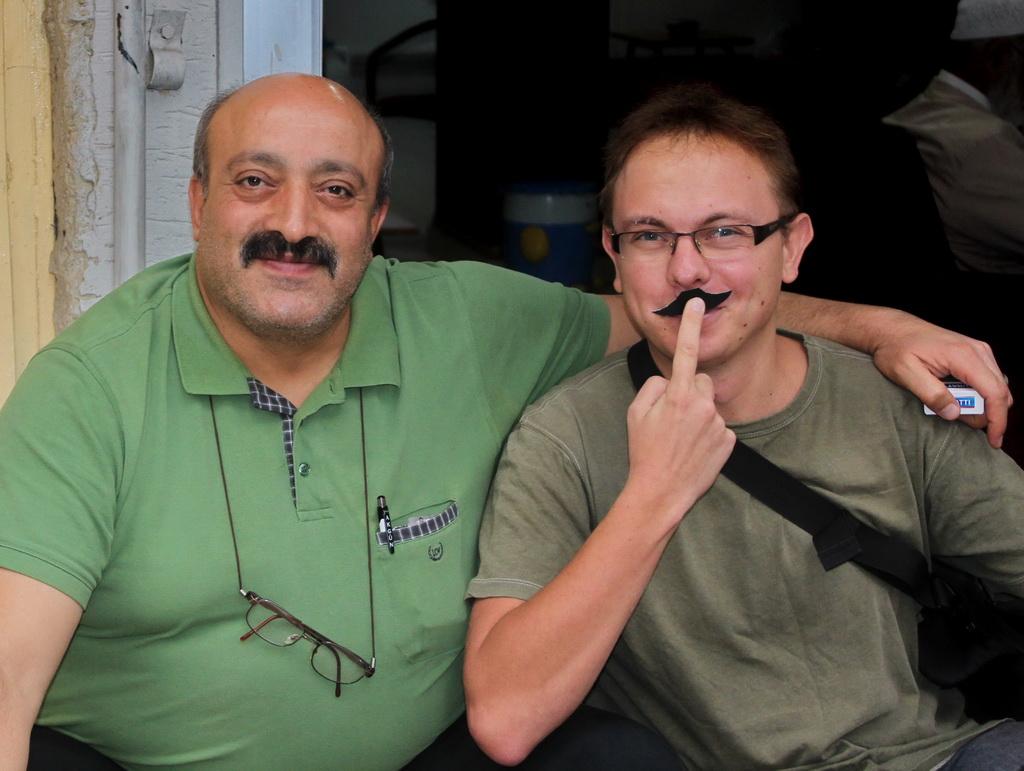 mustache_26