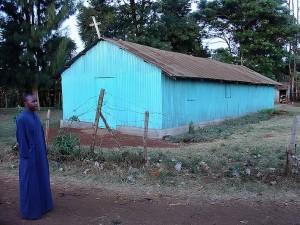 Семинарист-масай у православной церкви Рируты