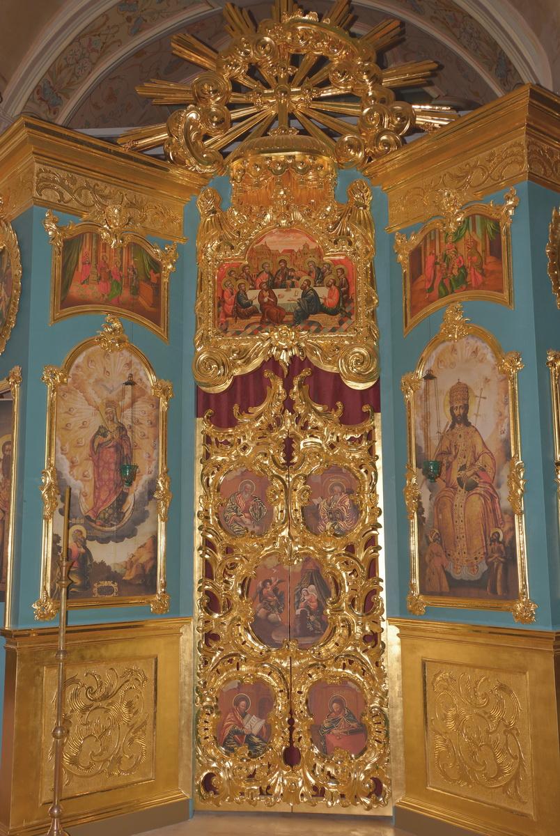 Иконостас храма Климента