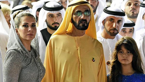 © AP Photo / Martin Dokoupil Принцесса Хайя бинт аль-Хусейн и премьер-министр ОАЭ, правитель Дубая шейх Мохаммед бен Рашид Аль Мактум. Архивное фото