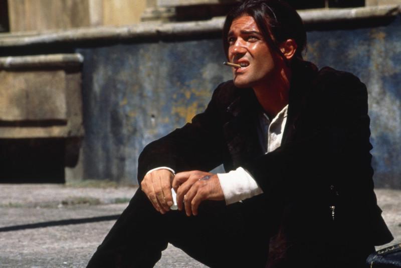 """кадр из фильма """"Отчаянный"""", 1995"""