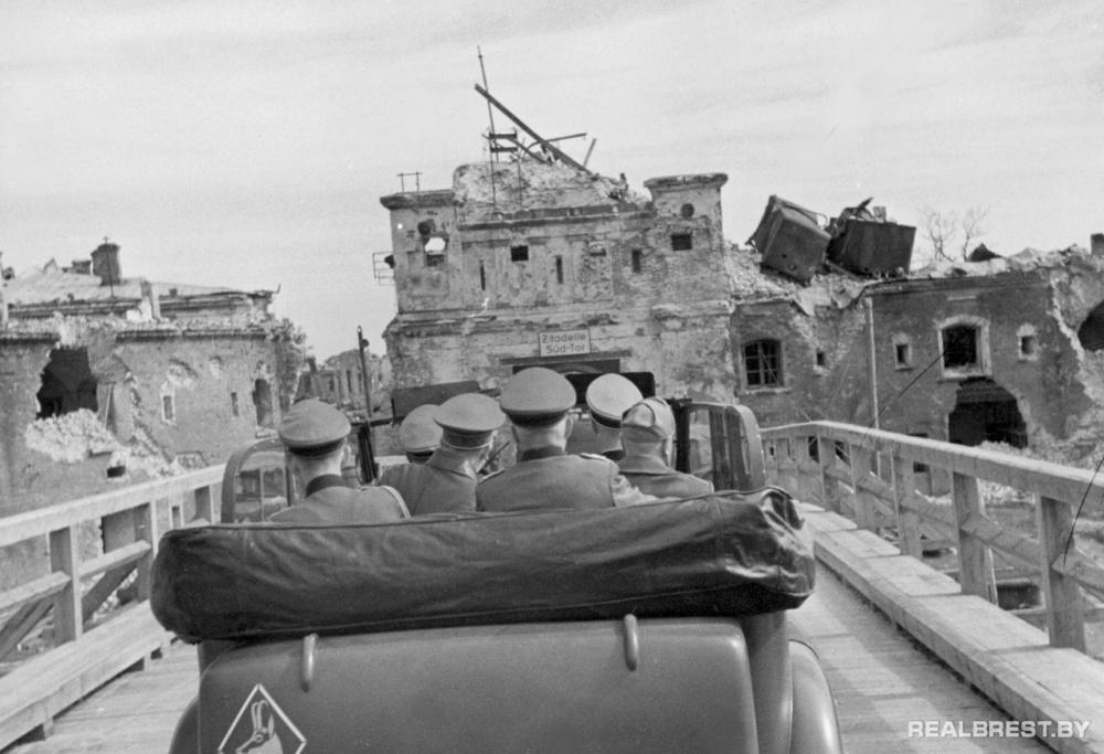 Крепость Брест-Литовск, 26 августа 1941 год. Фото realbrest.by