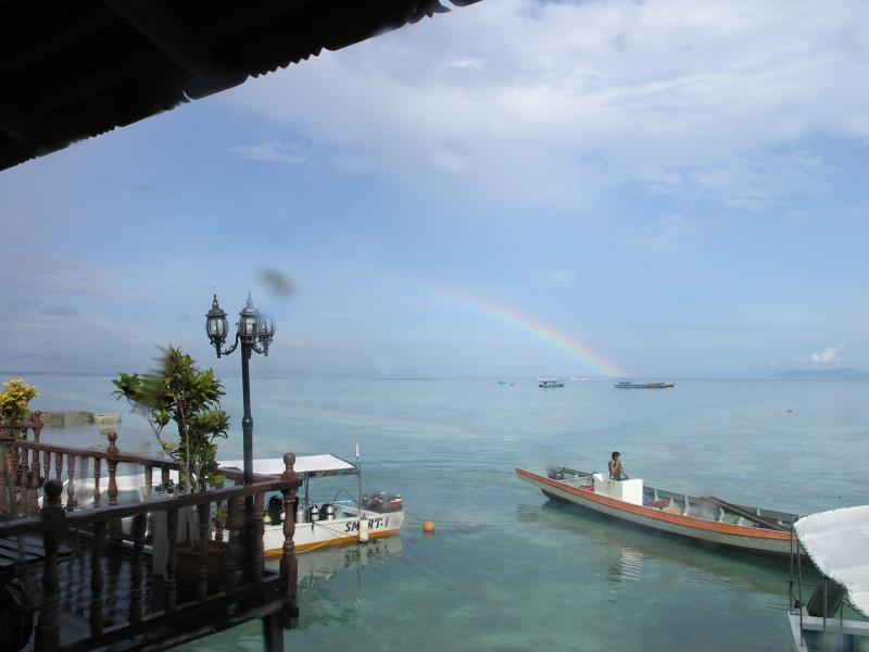 Остров Сипадан, Малайзия, побережье для туристов.