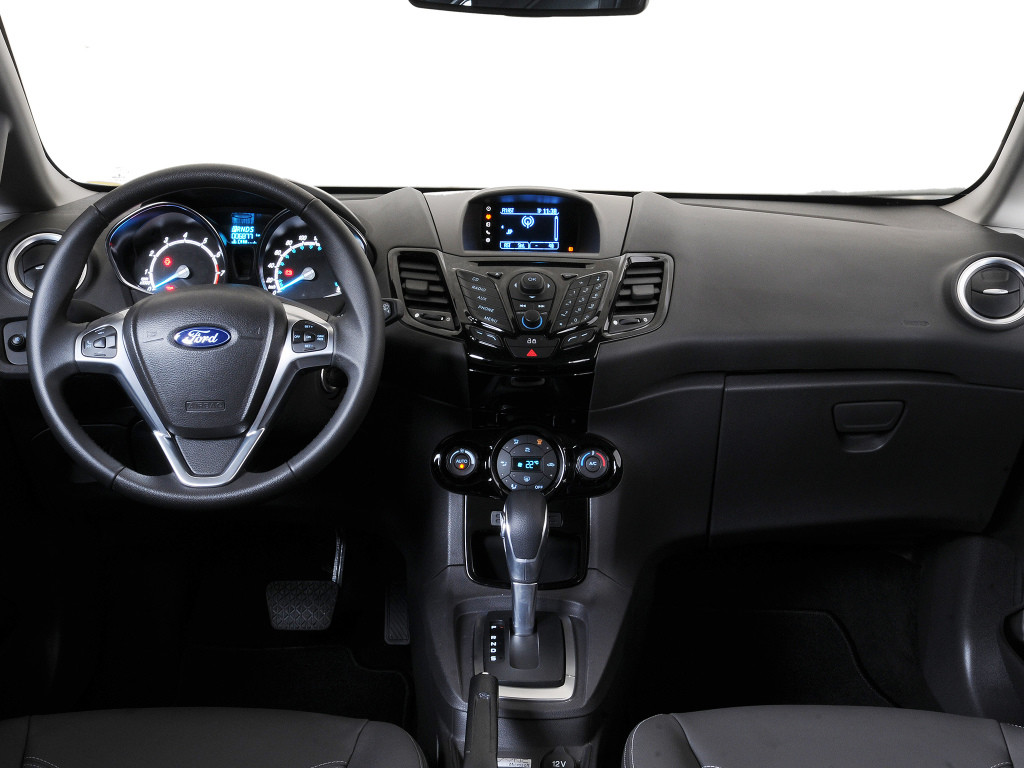 много отзывов о седане Форде Фиесте 6-го поколения
