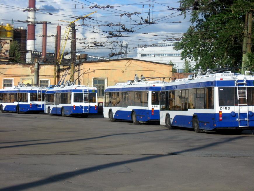 В Питере запускают новые «беспроводные» троллейбусы.