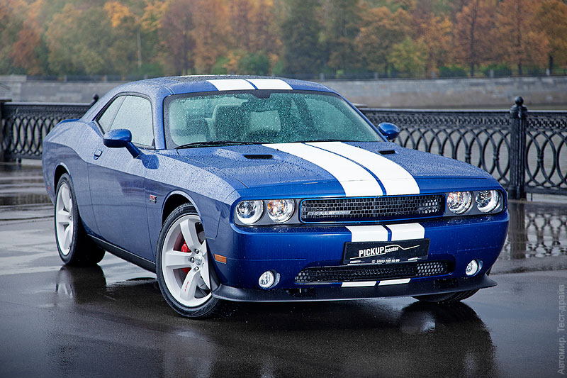 Challenger-SRT-8-Blue-07