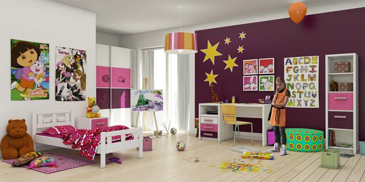 дизайн детской, баклажанный в интерьере, светлый пол в детской, интерьер детской в современном стиле, настенные наклейки, спальня девочки